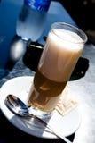 Latte del caffè all'aperto Fotografia Stock