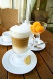 Latte del caffè e dessert del gelato Fotografia Stock Libera da Diritti
