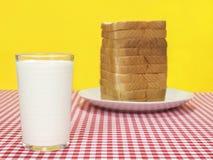 latte del pane fotografie stock