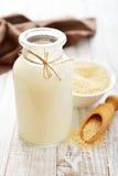 Latte della quinoa immagine stock