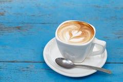 Latte della tazza di caffè fotografie stock libere da diritti