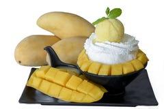 Latte di Bingsu con il mango del gelato Immagine Stock Libera da Diritti