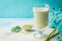Latte di matcha del tè verde immagini stock libere da diritti