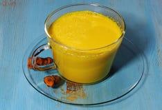 Latte dorato della curcuma o del latte Immagini Stock