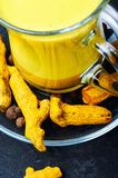 Latte dorato sano Fotografia Stock Libera da Diritti