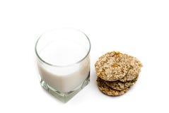 Latte e biscotti Fotografia Stock