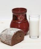 Latte e pane Fotografia Stock Libera da Diritti