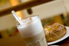 latte för 2 cafe Arkivfoto