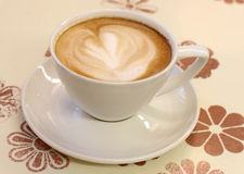 latte för cafecappuchinokaffe Royaltyfri Fotografi