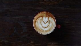 Latte sztuki serce Zdjęcia Stock