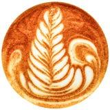 Lattekunstkaffee lokalisiert im weißen Hintergrund Lizenzfreie Stockfotos