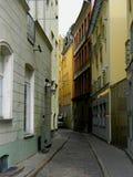 latvia gammal riga gata Arkivbilder