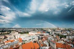 latvia riga Byggnad av den lettiska akademin av vetenskaper som byggs på Arkivbild
