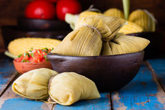 Latyno-amerykański jedzenie Tradycyjni domowej roboty humitas kukurudza Zdjęcia Stock