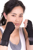 Latynoska agresywna kobieta z bokserskimi rękawiczkami Zdjęcia Royalty Free
