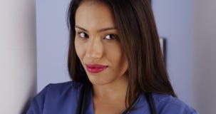 Latynoski kobiety lekarki ono uśmiecha się fotografia stock