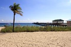 Lauderdale-da--Mare, spiaggia di Florida e pilastro Fotografia Stock Libera da Diritti
