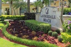 Lauderdale plaży wejścia znak Zdjęcia Royalty Free