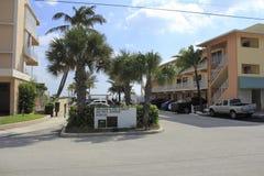 曼陀罗大道门户,由海,佛罗里达的Lauderdale 库存照片