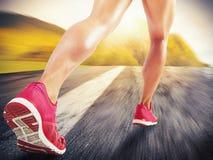 Laufen auf Asphalt Lizenzfreie Stockbilder
