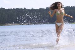 Laufen auf Wasser Stockfotografie