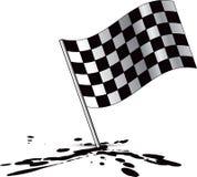 Laufen der checkered Markierungsfahne auf Schmieröl Splatter Stockbilder