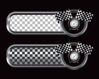 Laufen der Markierungsfahnen und des Geschwindigkeitsmessers auf checkered Tabulatoren Stockfotos