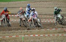 Laufen des Motocrosstreibers Lizenzfreie Stockfotografie