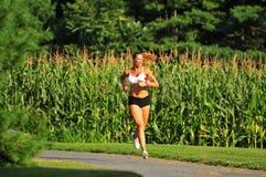 Laufen mit Gewichten Lizenzfreie Stockfotos
