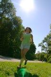 Laufen am Park Stockbild