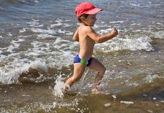 Laufen Sie auf Wasser Stockfoto