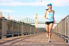 Laufen in Stadt Stockbilder