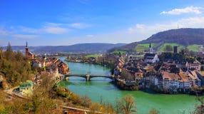 Laufenburg stad på Tyskland - Schweiz gräns, Rhen arkivfoton