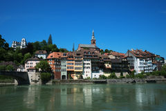 Laufenburg Tyskland med flodRhen royaltyfri bild