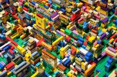 Laufend: Wechselwirkender Lego Display Lizenzfreie Stockfotos