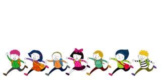 Laufende Kinder mit Schultaschen Stockfotos