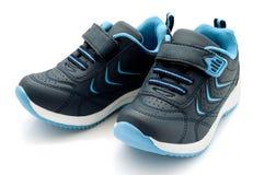 Laufende Schuhe der Kinder Lizenzfreie Stockfotos