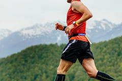 Laufender athletischer Mann Stockfotos