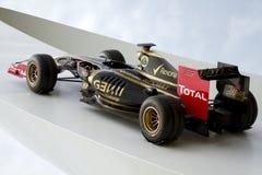Laufendes Auto der Lotos-Renault Formel 1 Stockbild