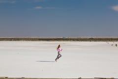 Laufendes Mädchen lizenzfreies stockbild