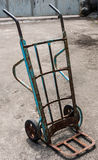 Laufkatze mit zwei Rädern Lizenzfreie Stockfotos