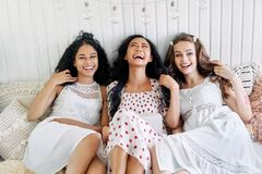 Free Laughing Happy Women Have Fun Relax Together At Home Royalty Free Stock Photos - 169397828