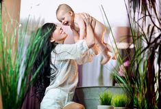 Laughing mum and baby Royalty Free Stock Photography