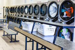 laundromat images stock