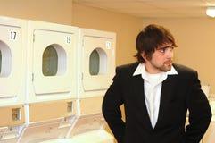 laundryroomvänte Fotografering för Bildbyråer