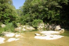 Lauquet del fiume in Corbieres, Francia fotografie stock