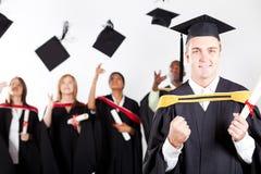 Laureato del maschio alla graduazione Fotografia Stock