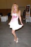 Laurene Landon en la estafa cómica de Pasadena Rock'n, centro de convención de Pasadena, Pasadena, CA 05-28-10 Foto de archivo