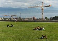 Lausanne Szwajcaria, Czerwiec, - 05, 2017: Ludzie relaksują przy Espla Zdjęcie Royalty Free