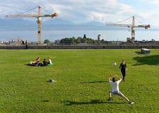 Lausanne Szwajcaria, Czerwiec, - 05, 2017: Ludzie relaksują przy Espla Fotografia Royalty Free
